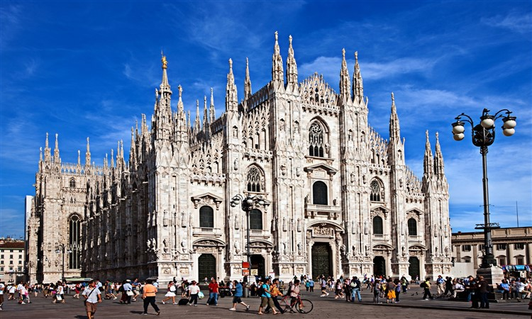 Milan Day Trip by train from Rome - Semi private Tour