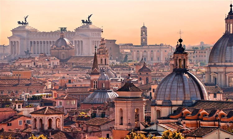 Rome city sightseeing tour by luxury vehicle